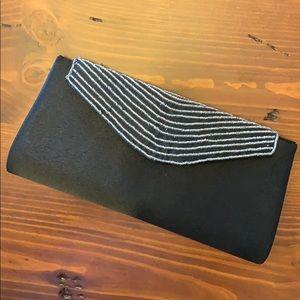 Bijoux Terner - beaded/satin clutch